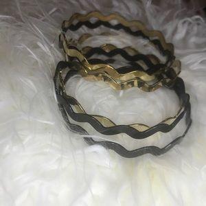 Black & gold bangle set